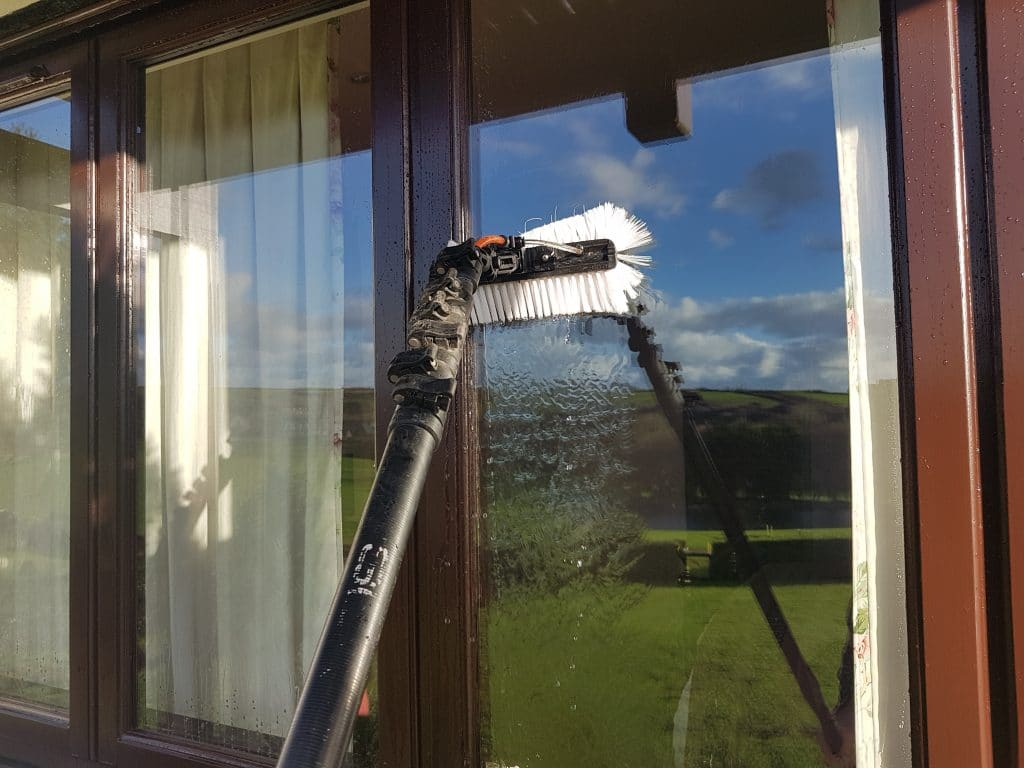 window-cleaner-bude
